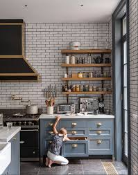 slate blue kitchen cabinets 5 things we can learn from this dreamy luxe kitchen shelving