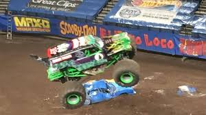 grave digger 30th anniversary monster truck monster jam grave digger crazy save youtube