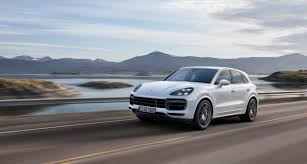 porsche cayenne interior 2017 the 2019 porsche cayenne turbo is a 550 hp 177 mph hustler roadshow