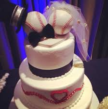 Wedding Cake Quiz Classic Baseball Themed Wedding Cake For The Bride And Groom Who