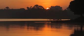 puesta de sol viajes solidarios abay etiopía