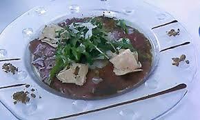 cuisiner un foie gras cru recette de carpaccio de boeuf au foie gras cru