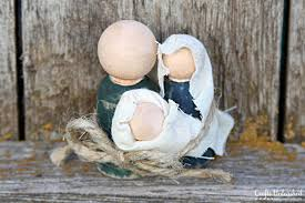 nativity set ornaments a great gift for anyone on your list