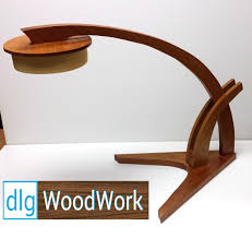 Build Basic Wooden Desk by How To Build The Wood Magazine Prairie Grass Desk Lamp Youtube