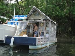 cool small homes ten super cool tiny houses shelters treehouses houseboats kaf