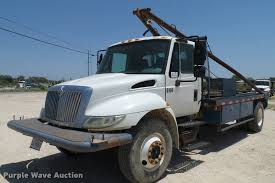 2004 international durastar 4300 winch truck item da6786