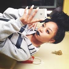 pics of black pretty big hair buns with added hair 298 best вυиѕ нυи images on pinterest buns bun hairstyles and