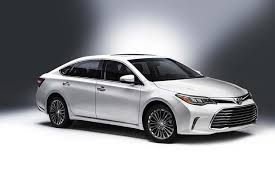 lexus and toyota same car 2016 toyota camry vs 2016 toyota avalon what s the difference