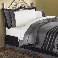 White Comforters Bed Bath And Beyond Bedroom Modern Bedroom Decor With Comforters And Bedspreads