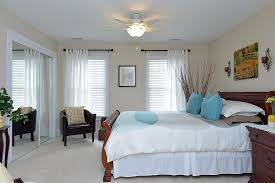 Louis Philippe Sleigh Bed Traditional Guest Bedroom With Neutral Carpet By Judith De La Cruz