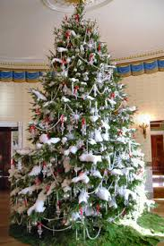 make that a white house tree o ppl stories