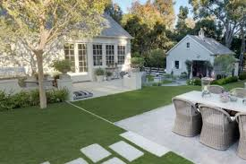 Hamptons Style Outdoor Furniture by House Of The Week Gwyneth Paltrow U0027s La House U2013 Exterior Stylish