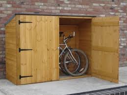 Making Wooden Shelves For A Garage by Best 25 Outdoor Bike Storage Ideas On Pinterest Bike Storage