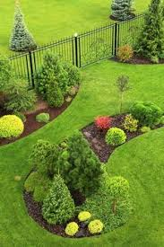 country driveway garden ideas end of driveway landscaping ideas
