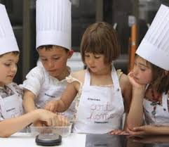 atelier enfant cuisine atelier les p cuistots l occasion rêvée pour vos enfants