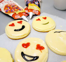 how to make emoji sugar cookies the story of my life