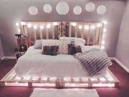 guirlande lumineuse pour chambre guirlande lumineuse tete de lit fabriquer tete de lit dacco chambre