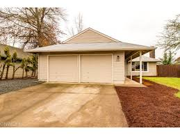 Eugene Zip Code Map by 3784 Peppertree Dr Eugene Or 97402 Mls 17221218 Redfin