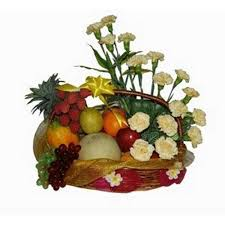 fruit flower arrangements 3 kgs fruit basket with flower arrangement myflowergift