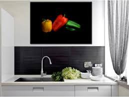 tableau cuisine décoration murale cuisine trois poivrons tableau photo hexoa