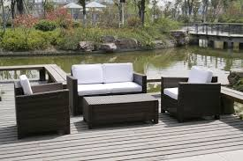 choosing attractive outdoor furniture