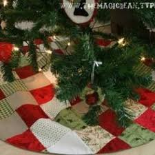 Quilted Christmas Tree Skirts To Make - quilted christmas stocking and tree skirt patterns quilted
