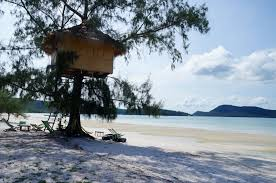 file tree house jpg file koh rong sanloem beach tree house jpg wikimedia commons