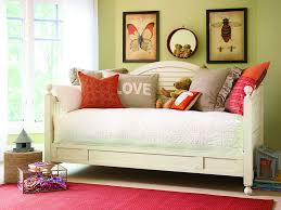 Girls Day Beds by Day Beds For Teenagers Day Bed Revival The Trend Curve Decorate