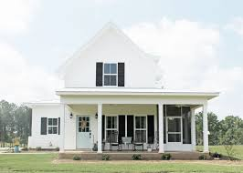 farmhouse exterior paint color ideas