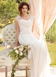 duchesse linie v ausschnitt sweep pinsel zug tull brautkleid mit applikationen spitze blumen gefaltet p866 106 best hochzeitskleid images on wedding dress