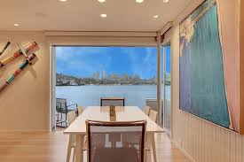 Sleepless In Seattle Houseboat by Hotels U0026 Vacation Rentals Near Lake Union Seattle Washington From