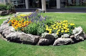 imagenes de jardines pequeños con flores diseño de minijardines