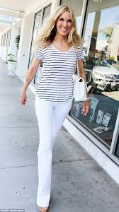 what is in style for a 70 year old woman alana stewart looks far younger than her 70 years she s los
