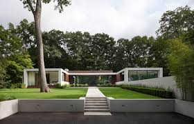 u shaped house with courtyard new canaan residence by specht harpman architects design milk