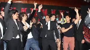 shahrukh khan u0027s house mannat becames a venue for a grand party