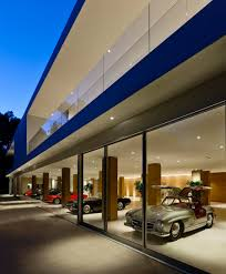 Unique Garages The Glass Pavilion An Ultramodern House By Steve Hermann