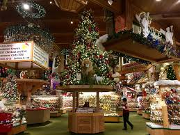visiting the world u0027s largest christmas store life in wanderlust