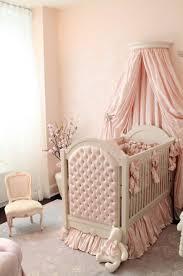 baby jungen zimmer awesome babybetten mit luxus baldachin mit rosa wandbild tapete
