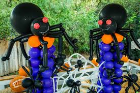 green repeating halloween background how to halloween balloon art home u0026 family hallmark channel