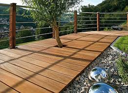 holzdielen balkon bankirai terrasse verlegen vorteile des materials für außenbereich