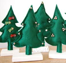 daisy janie how to make small cute felt christmas trees