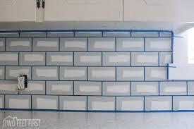 how to tile a backsplash in kitchen pretty easy subway tile backsplash diy kitchen 4230 home interior