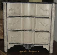 lynda bergman decorative artisan painting a crackled distressed