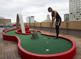 mini golf bureau eight cool things about canada s toronto office