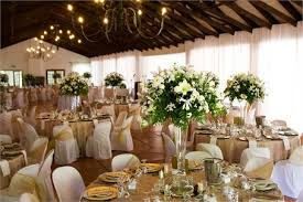 Gold Table Decorations A Beautiful Gold And Ivory Wedding Colour Scheme