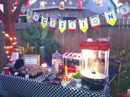 Backyard Parties Best 25 Backyard Movie Night Party Ideas On Pinterest Backyard