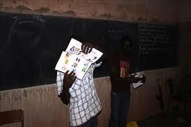 heure de fermeture des bureaux de vote le dépouillement a immédiatement commencé dans deux bureaux de vote
