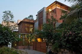 Architects: Hiren Patel Architects Location: Ahmedabad, Gujarat, India Area: 800 sqm. Year: 2012 - 509d3d68b3fc4b56c10000cc_the-green-house-hiren-patel-architects_the_green_house_exterior_view_1-528x350