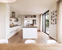 cuisine moderne blanc cuisine blanc et bois cuisine blanche cuisines modernes et