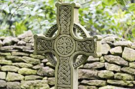 understanding the symbolism and meaning of a celtic cross